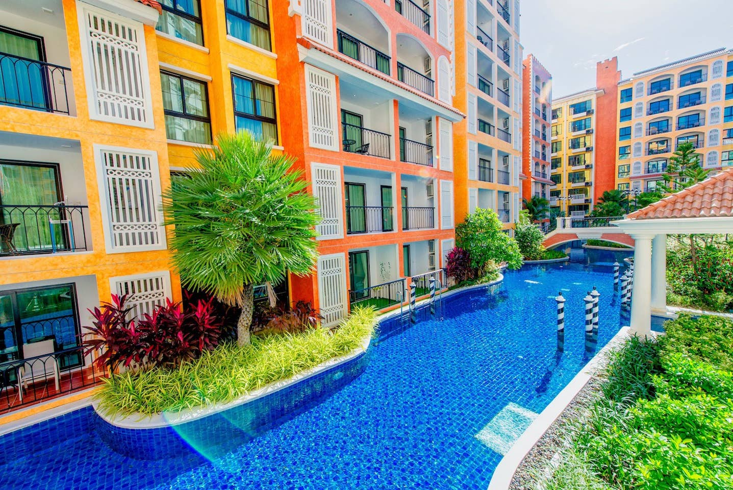 Venetian Resort (Pool/Gym/boat/Sauna) free photo 18632764