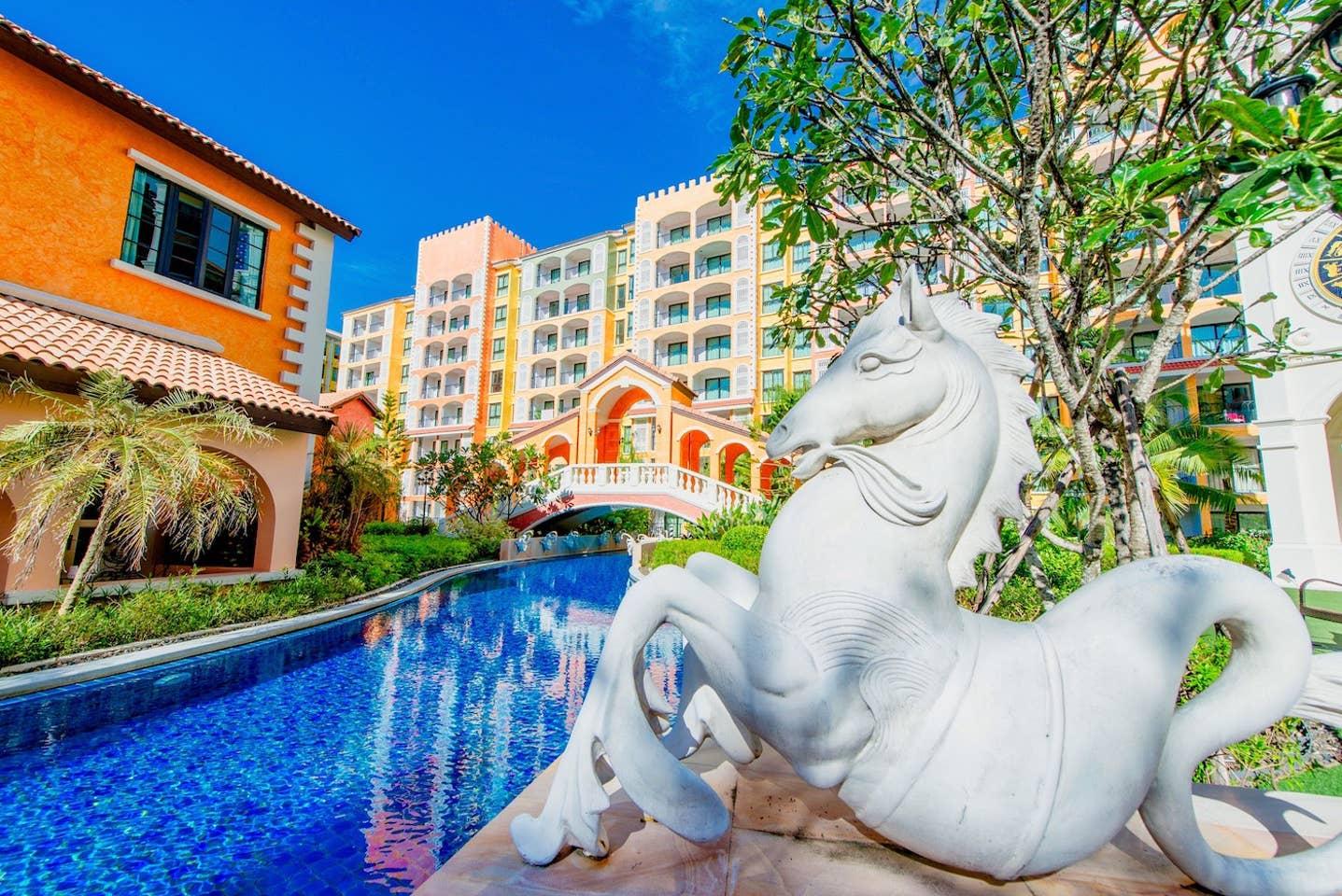 Apartment Venetian Resort  Pool Gym boat Sauna  free photo 19087154