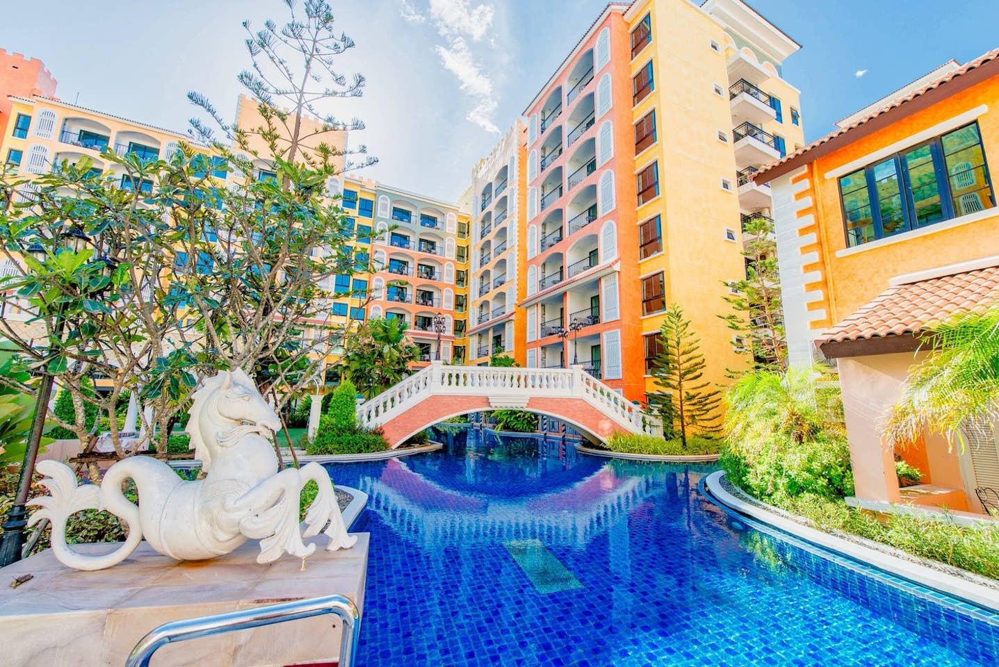 Apartment C321 Venetian Resort  Pool Gym boat Sauna  free                 photo 16581005