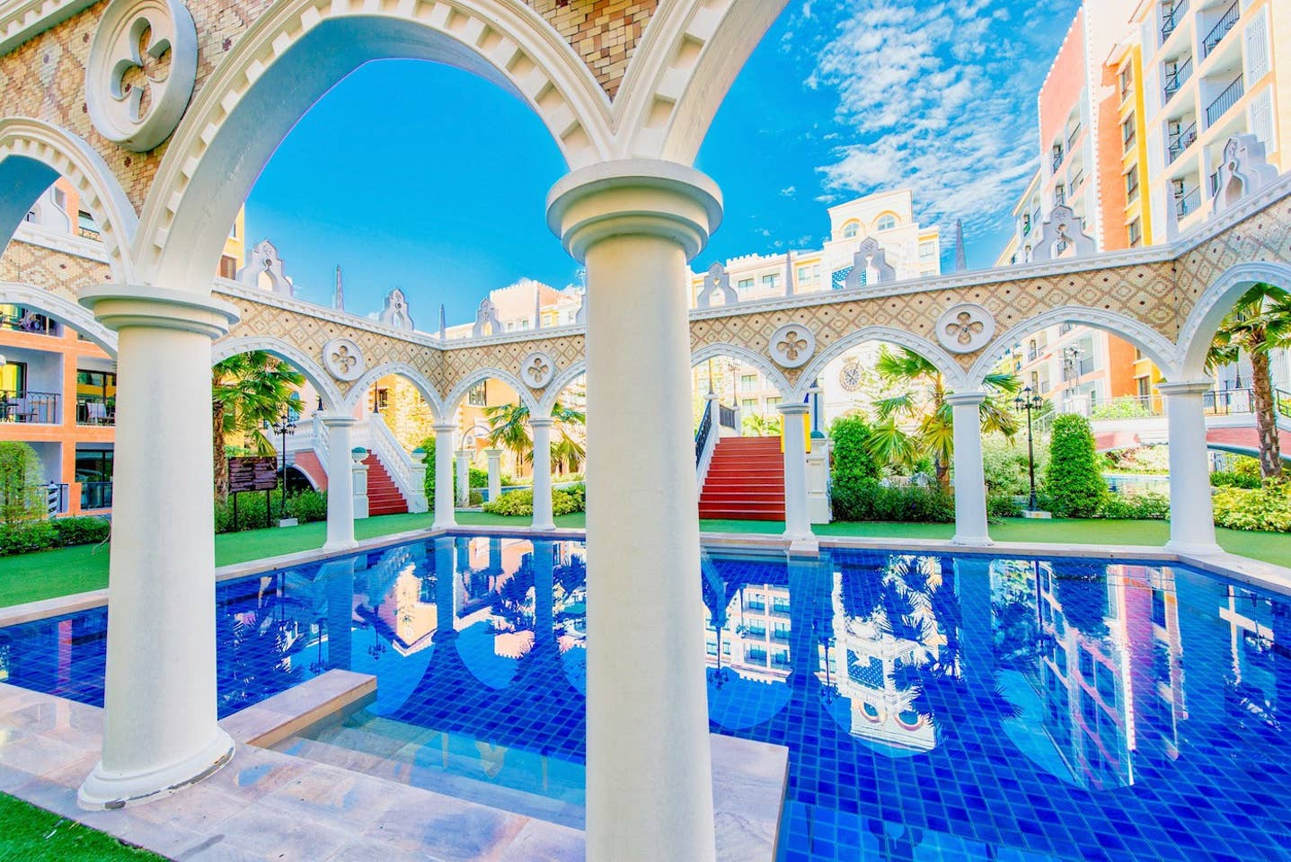 Apartment Venetian Resort  Pool Gym boat Sauna  free photo 19372195