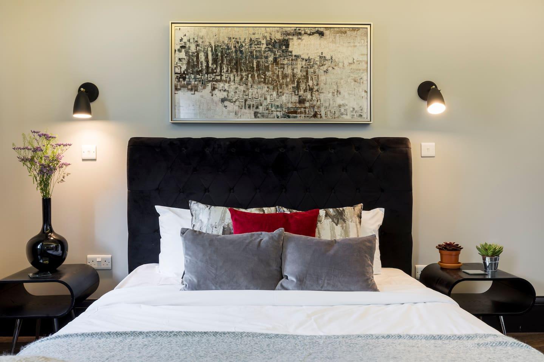 (5) Cool Penthouse Loft Studio on Portobello Road photo 15624942
