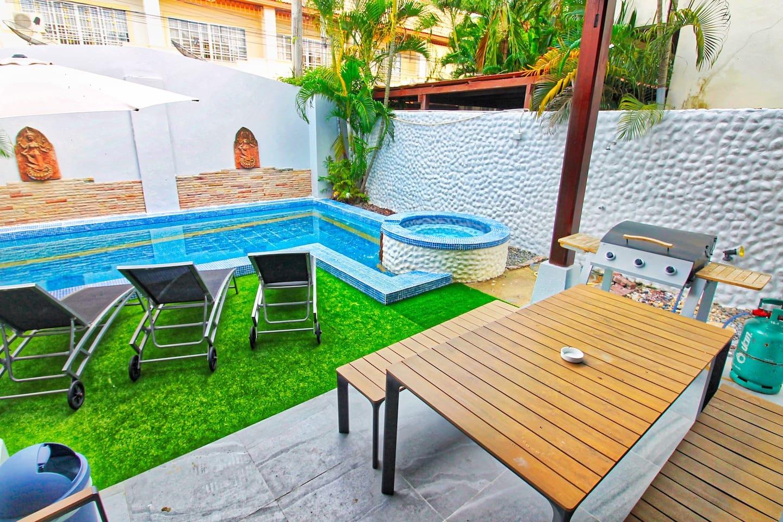 Big Private Pool Villa with Free Wifi+A/C+Netflix photo 16516389