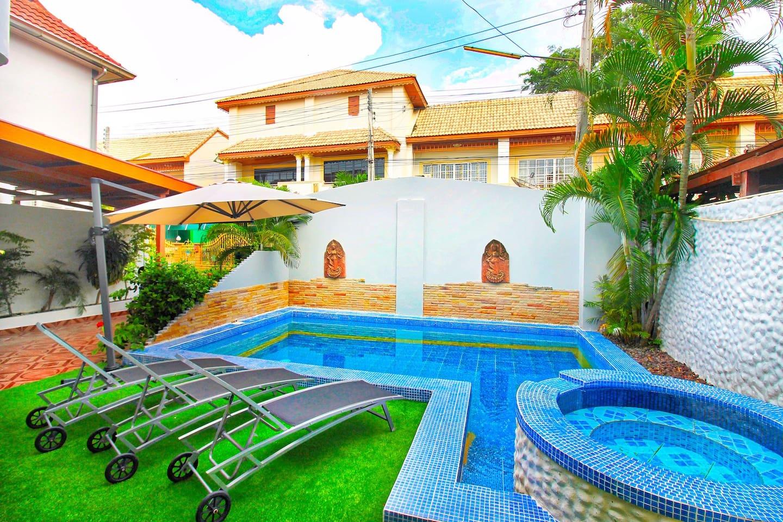 Big Private Pool Villa with Free Wifi+A/C+Netflix photo 16537519