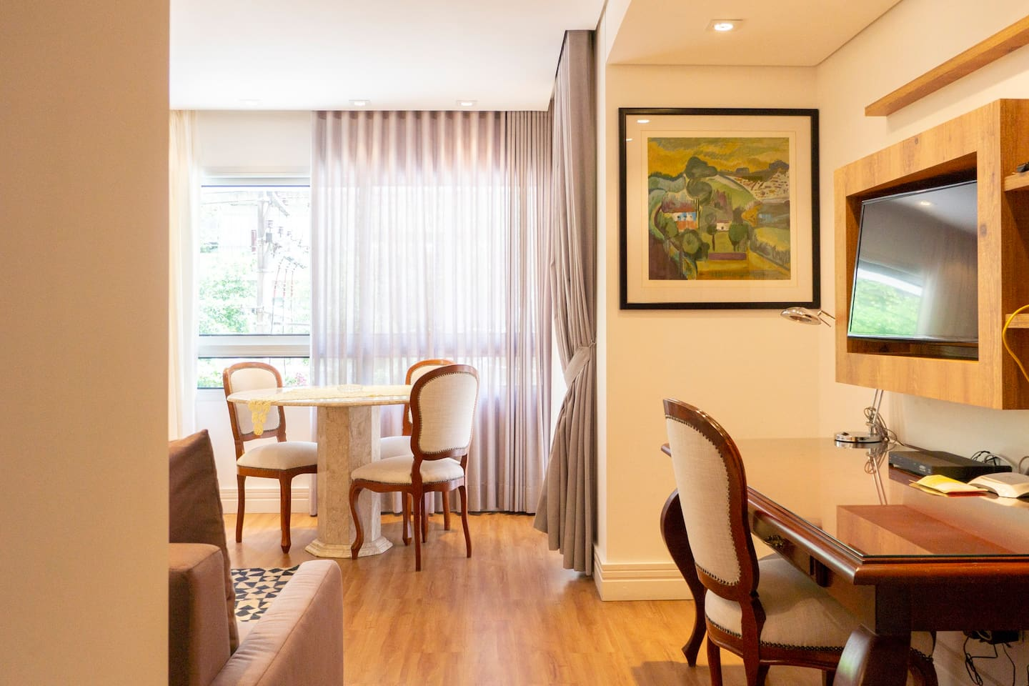 George V - Luxury Apt at hotel with Butler Service photo 16232248