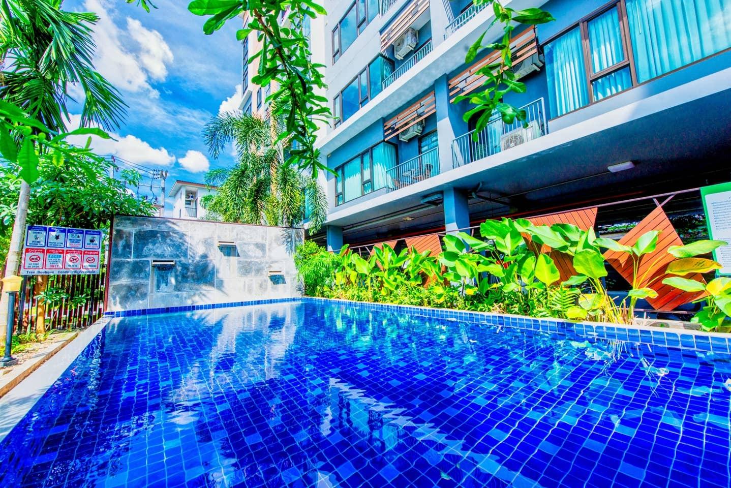 Pool View 4 person near Old City (free pool/gym/wifi) photo 16859414