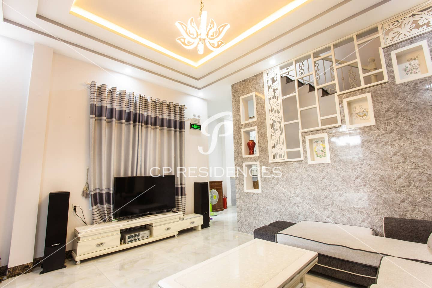 Exquisite 3BR - 2-storey house with a terrace