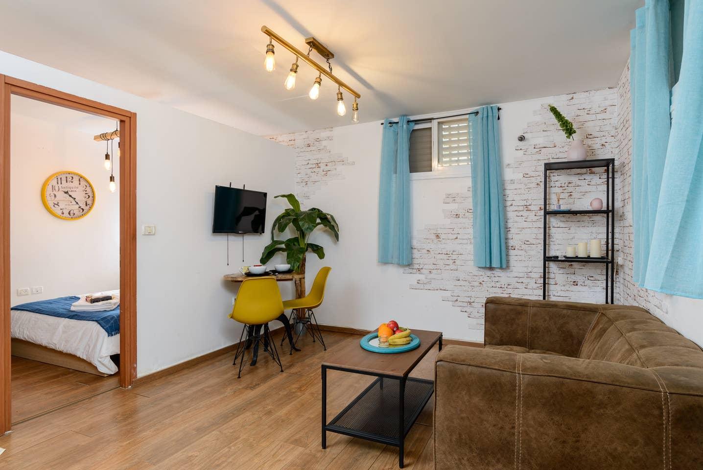 Apartment Designed apartment on Frishman Tlv photo 26044563