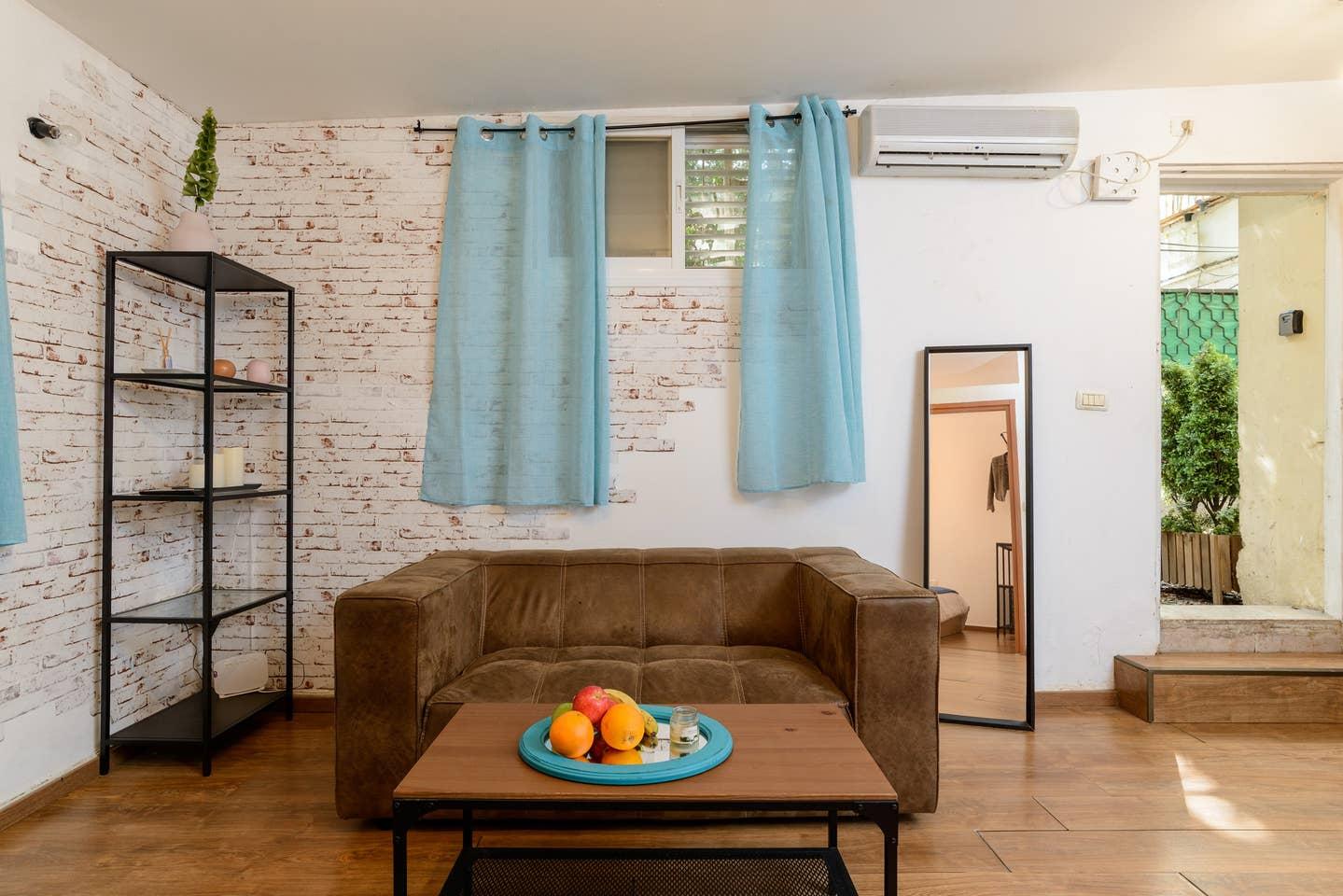 Designed apartment on Frishman Tlv photo 26055854