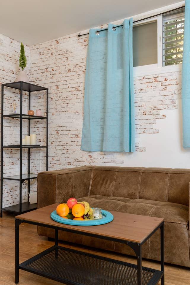 Apartment Designed apartment on Frishman Tlv photo 26055855