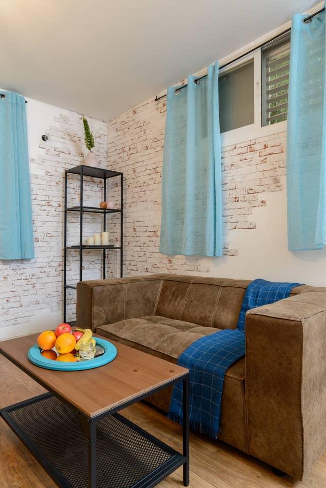 Apartment Designed apartment on Frishman Tlv photo 26055856