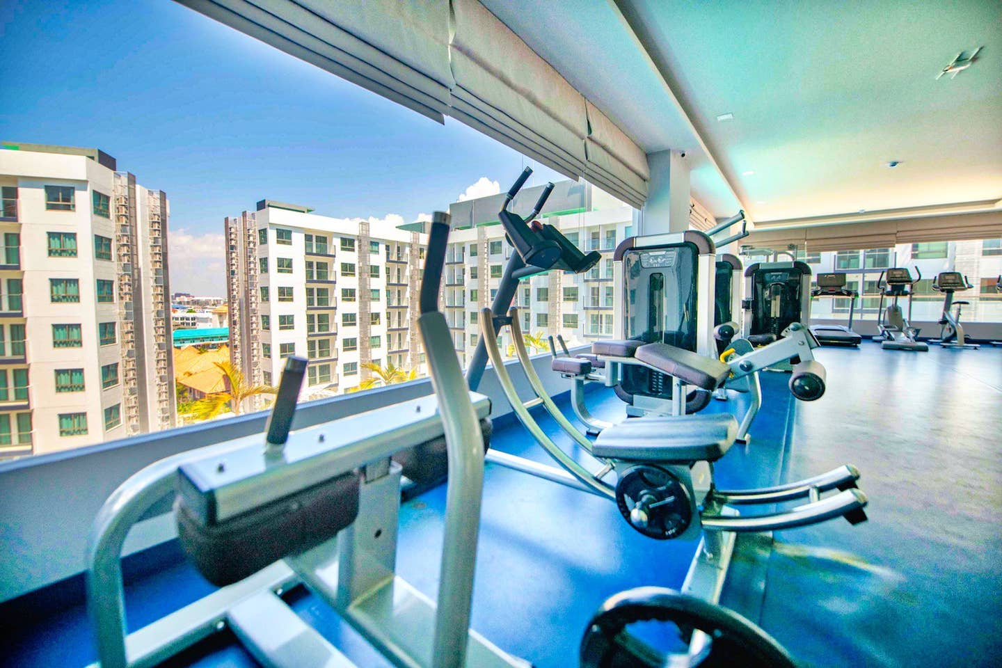 Apartment One-bedroom Suite with quiet view  Pool Gym  photo 23265380