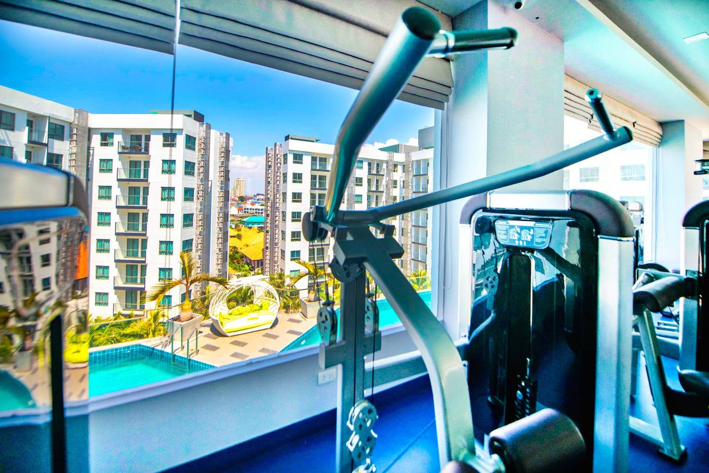 Apartment One-bedroom Suite with quiet view  Pool Gym  photo 23265381
