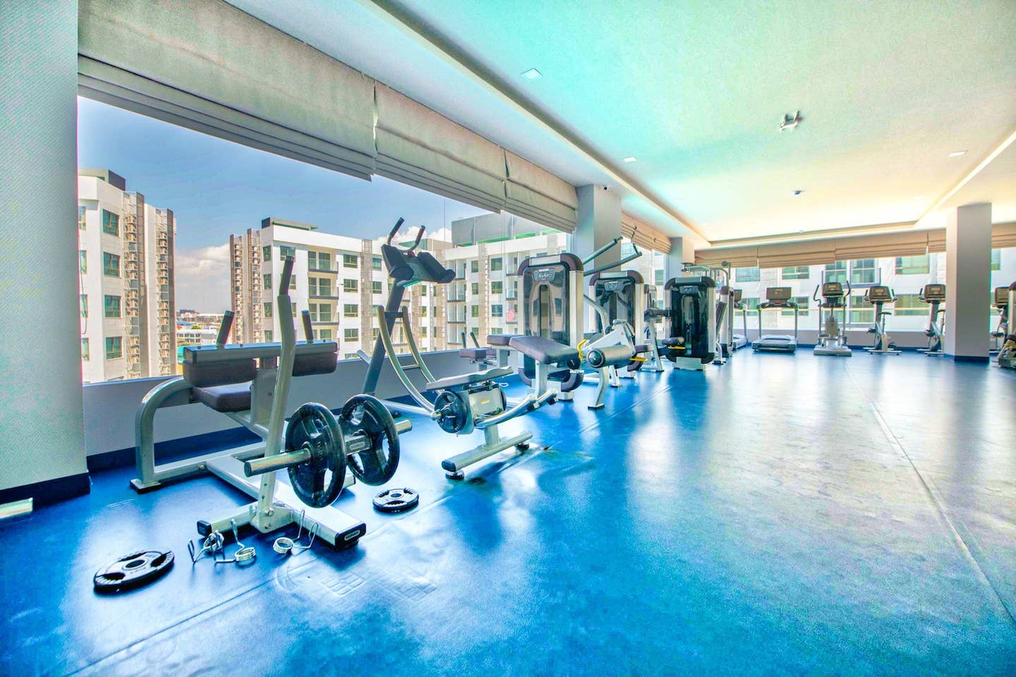 Apartment One-bedroom Suite with quiet view  Pool Gym  photo 23265382