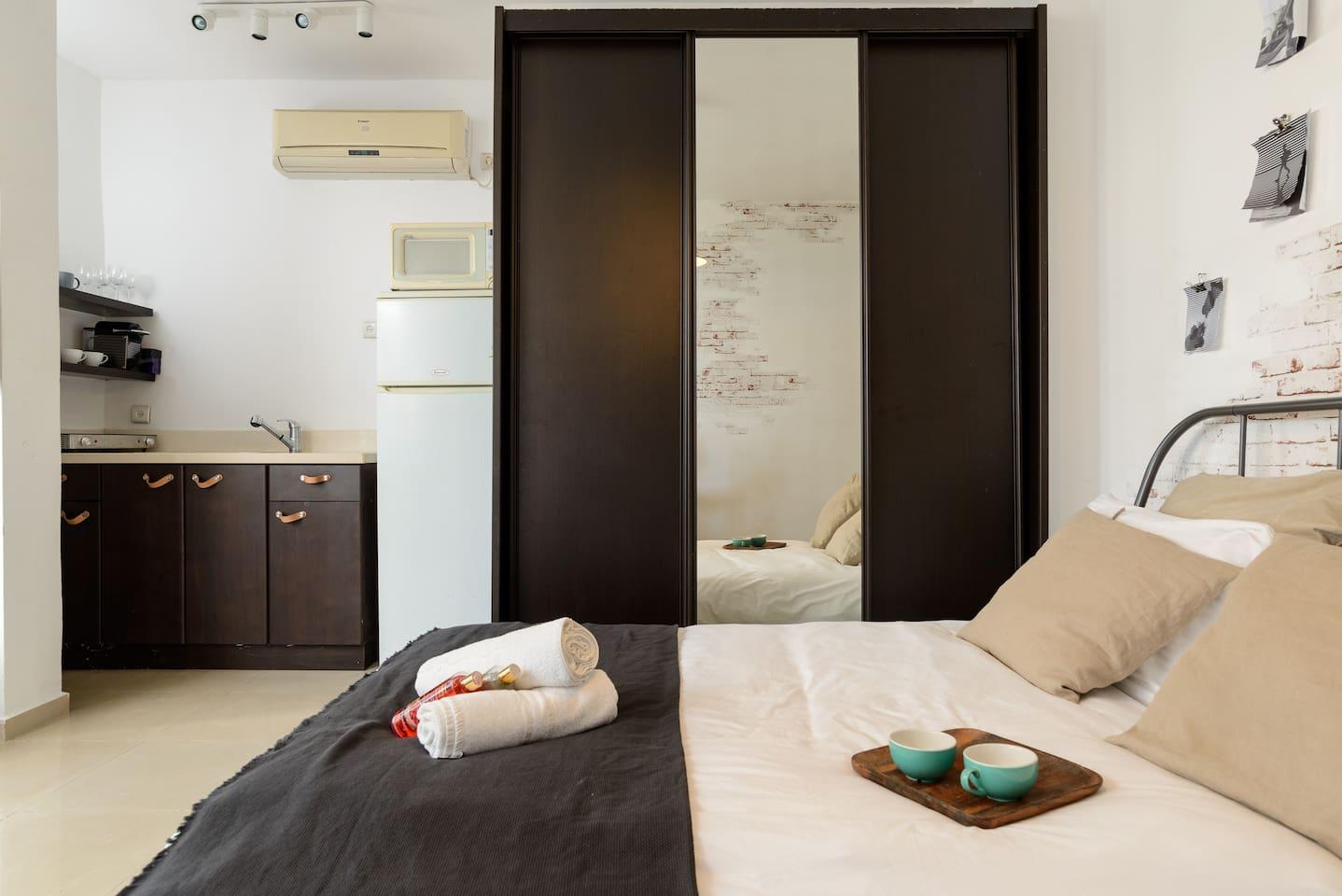 Apartment Sea view designed studio in front of Hilton TLV photo 18708438