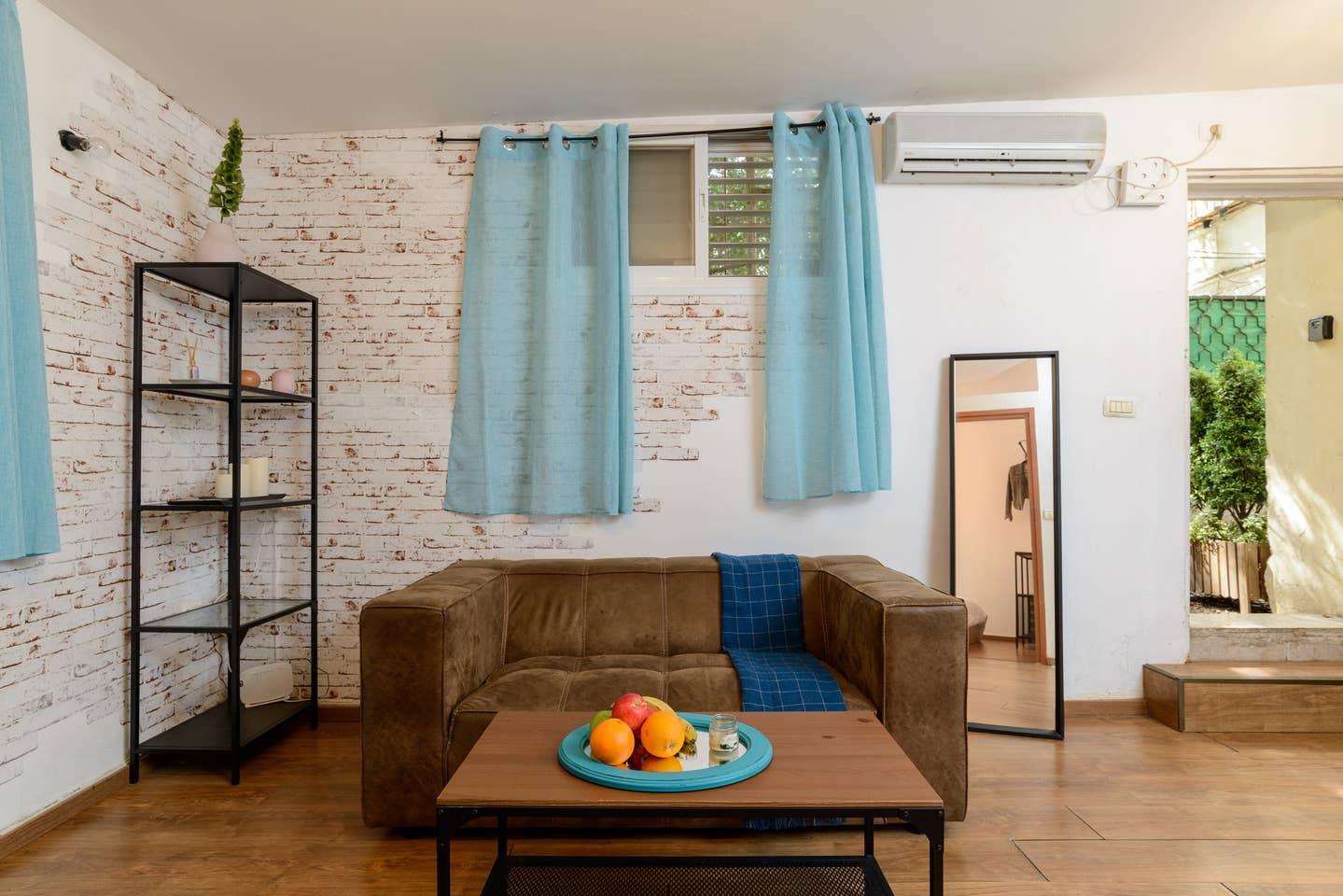 Apartment Designed apartment on Frishman Tlv photo 26055860