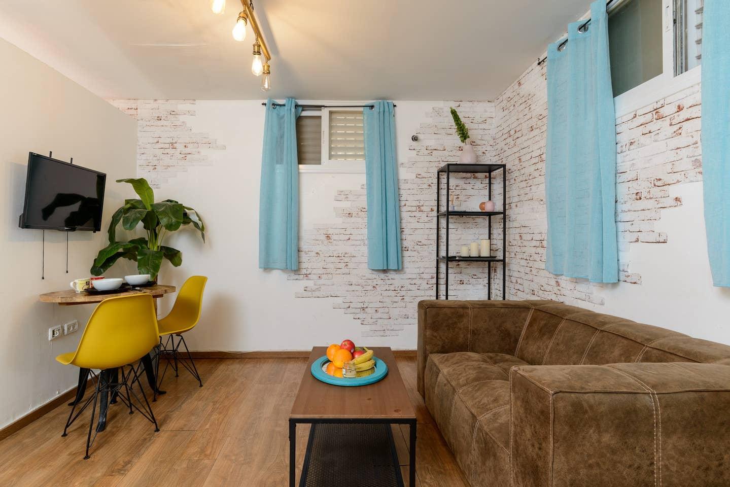 Apartment Designed apartment on Frishman Tlv photo 26038214