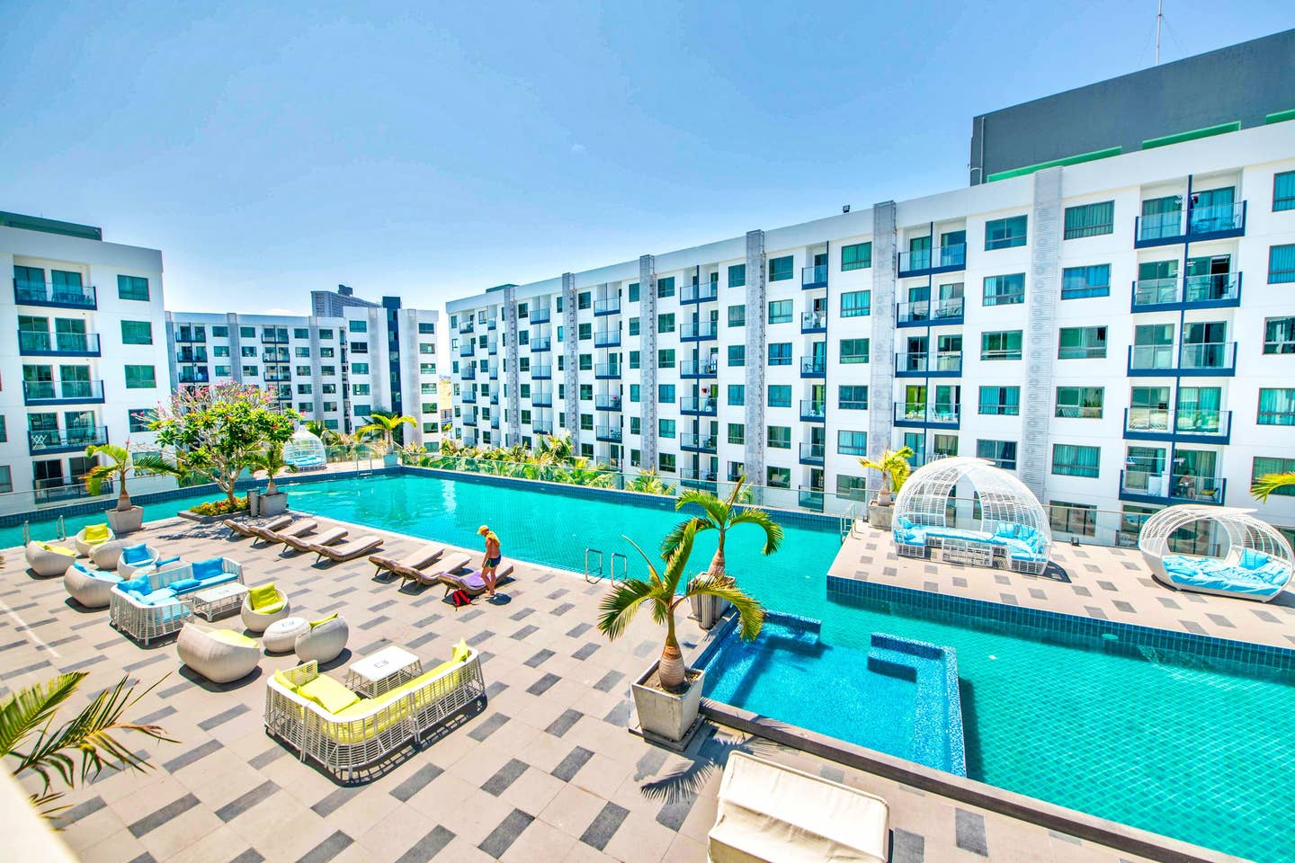 Explore Pattaya from a Modern Cool Suite photo 16173615