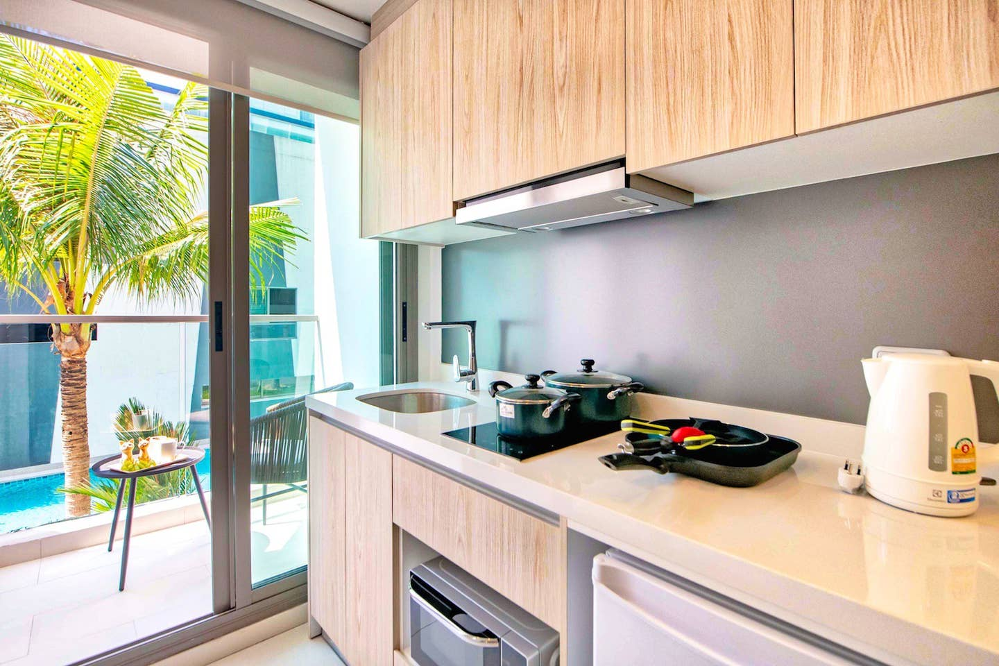 Explore Pattaya from a Modern Cool Suite photo 16199256
