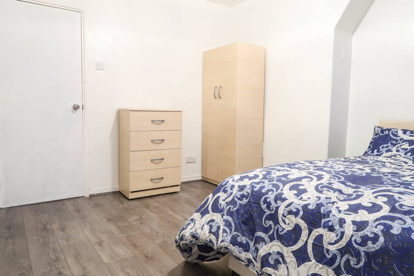 BE KEEN AND STAY IN BETHNAL GREEN! photo 23286785