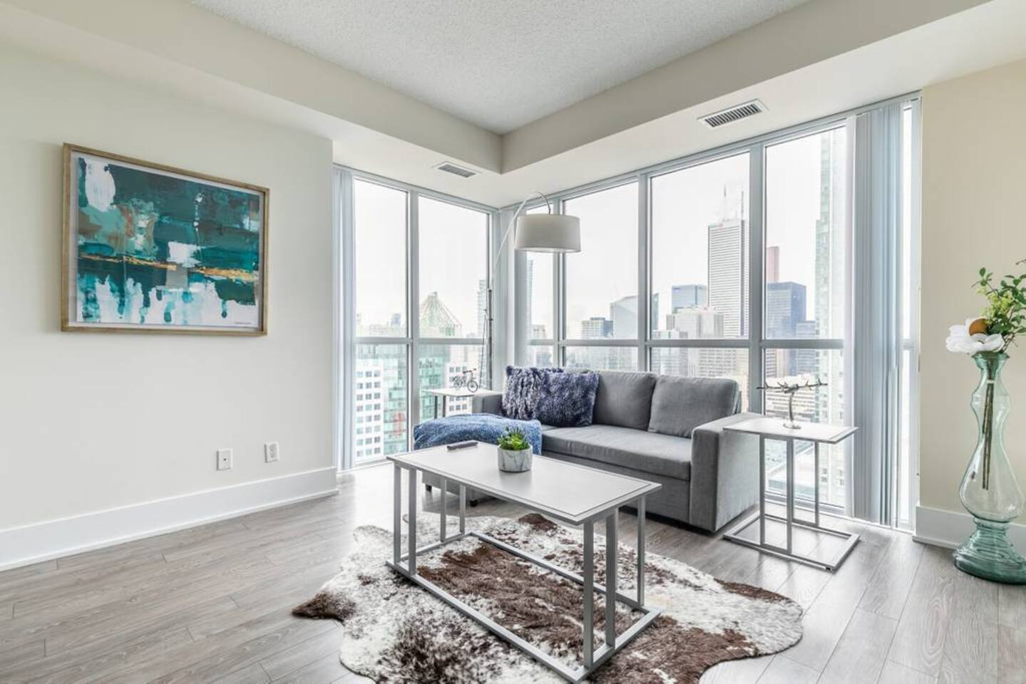 Bright High Rise Condo with Stunning Views photo 18778741