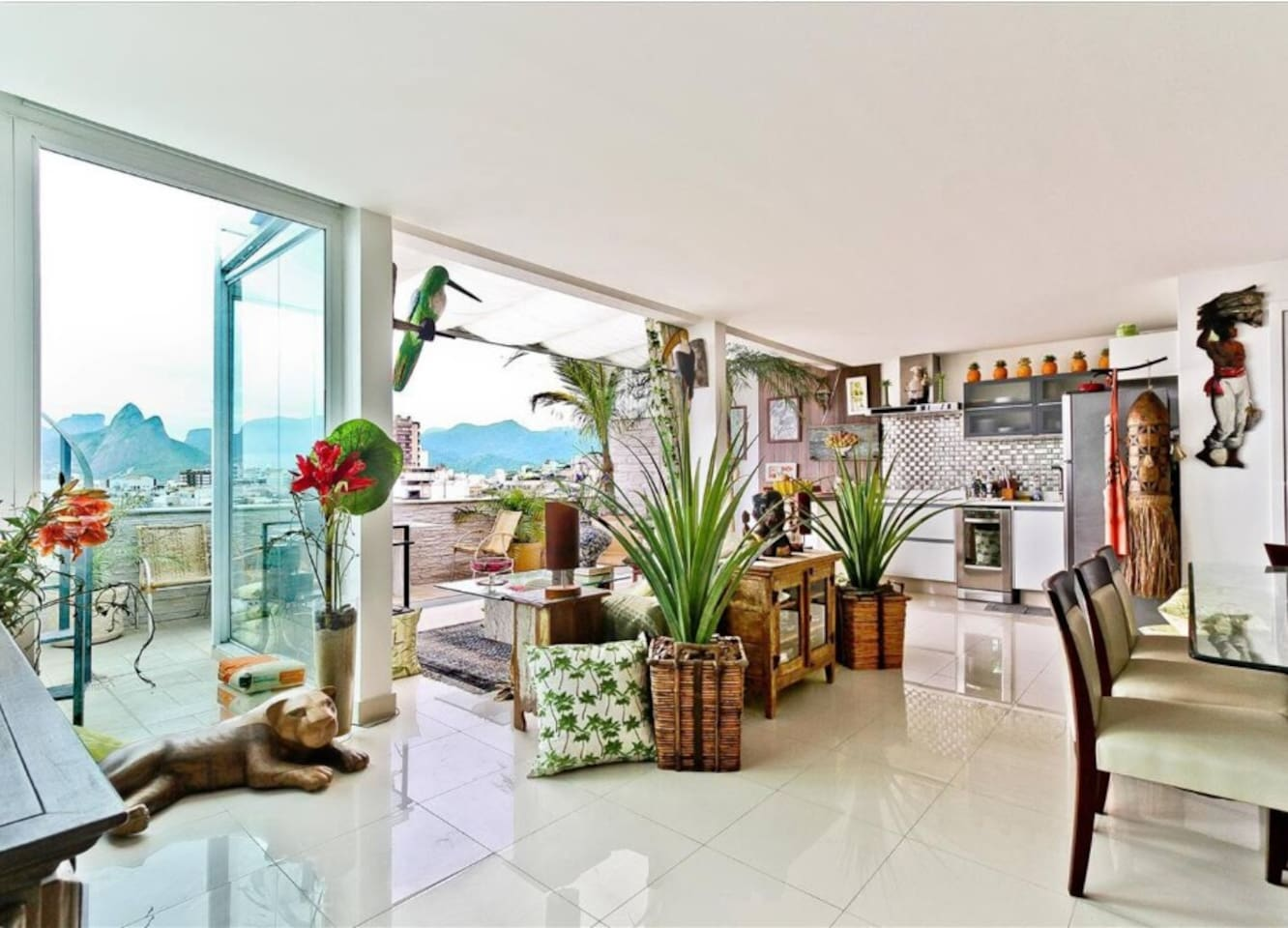 Classy Triplex Penthouse at Best Location in Rio photo 14005473