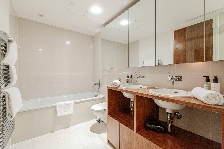 Luxury 2 bed 2 bath Penthouse in Kensington photo 15166552