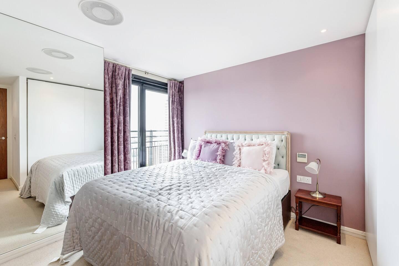 Luxury 2 bed 2 bath Penthouse in Kensington photo 15774693