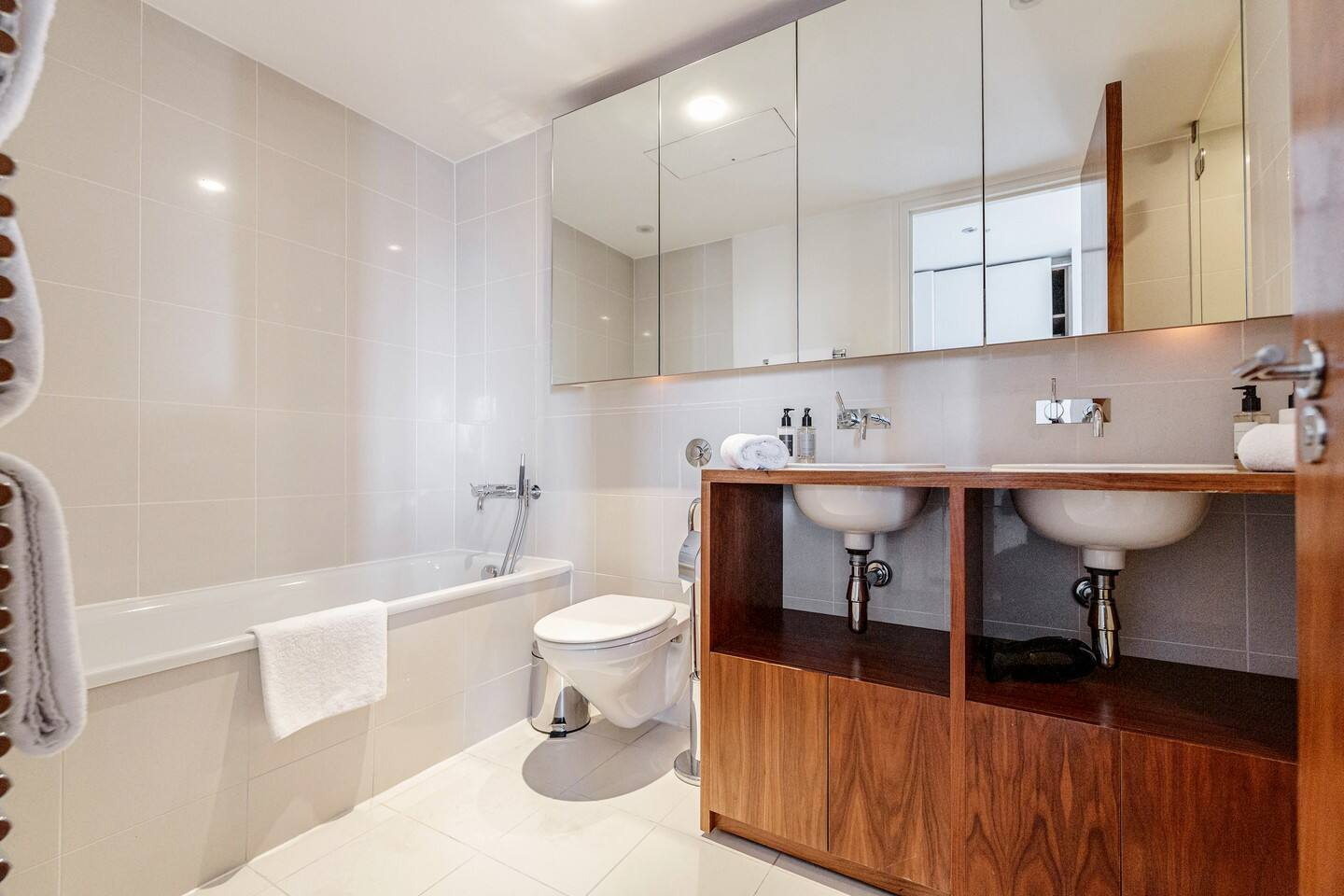 Apartment Professionally cleaned Luxury 2 bed 2 bath Penthouse in Kensington photo 28822741