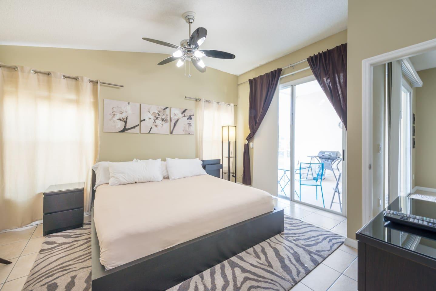 Spacious 3BR Home + King Bed: Near Disney w/ Pool! photo 17048486