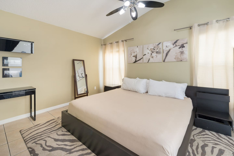 Apartment Spacious 3BR Home   King Bed  Near Disney w  Pool  photo 16905111
