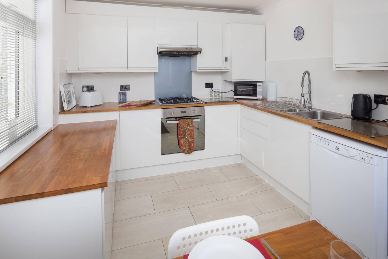 Apartment NEW - Milford-On-Sea village centre photo 18089044