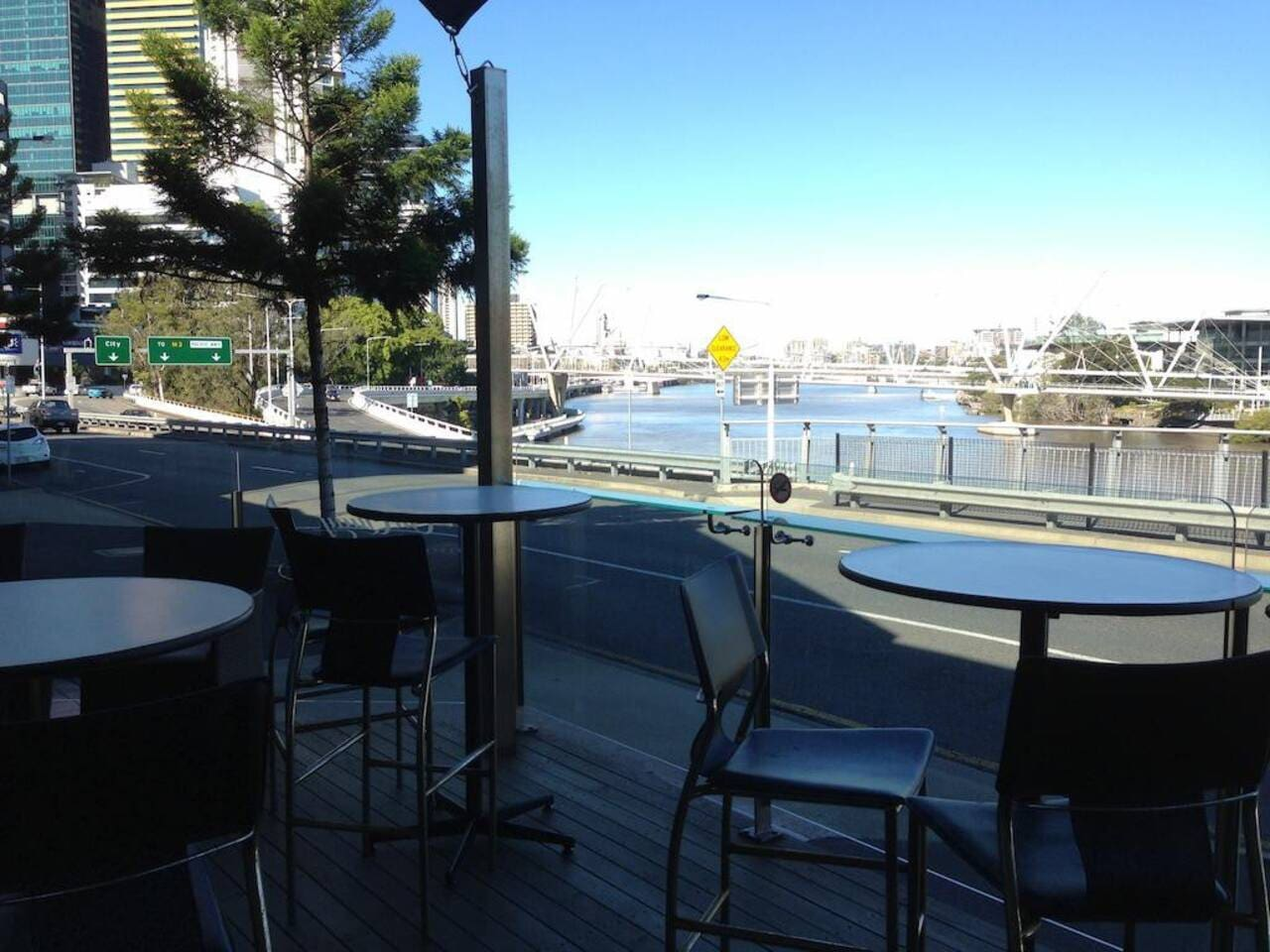 Apartment Best City Value     CBD   Southbank   Views   Pool   Netflix photo 16906525