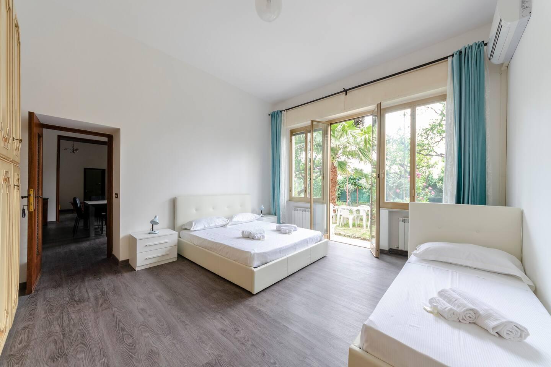 Apartment Hintown PieveLigure  Apt con Giardino Sul mare photo 18310059
