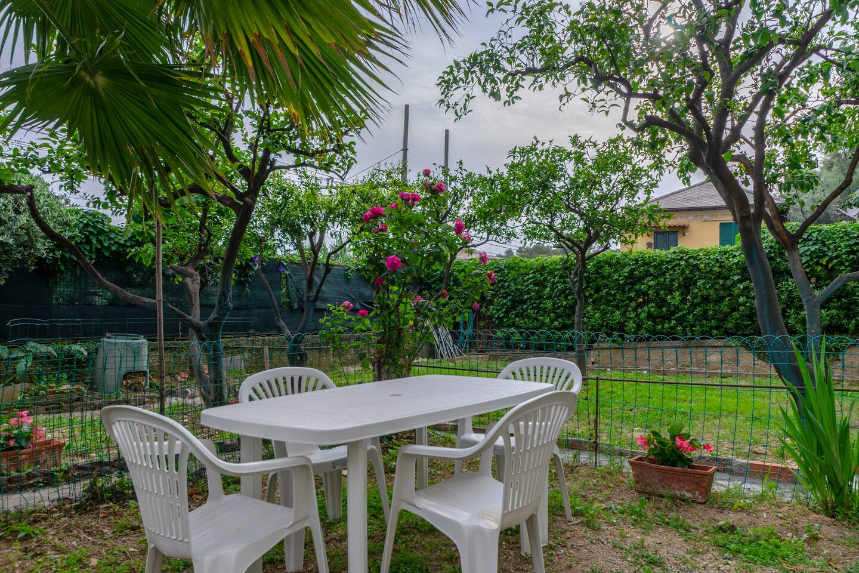 Apartment Hintown PieveLigure  Apt con Giardino Sul mare photo 18732714