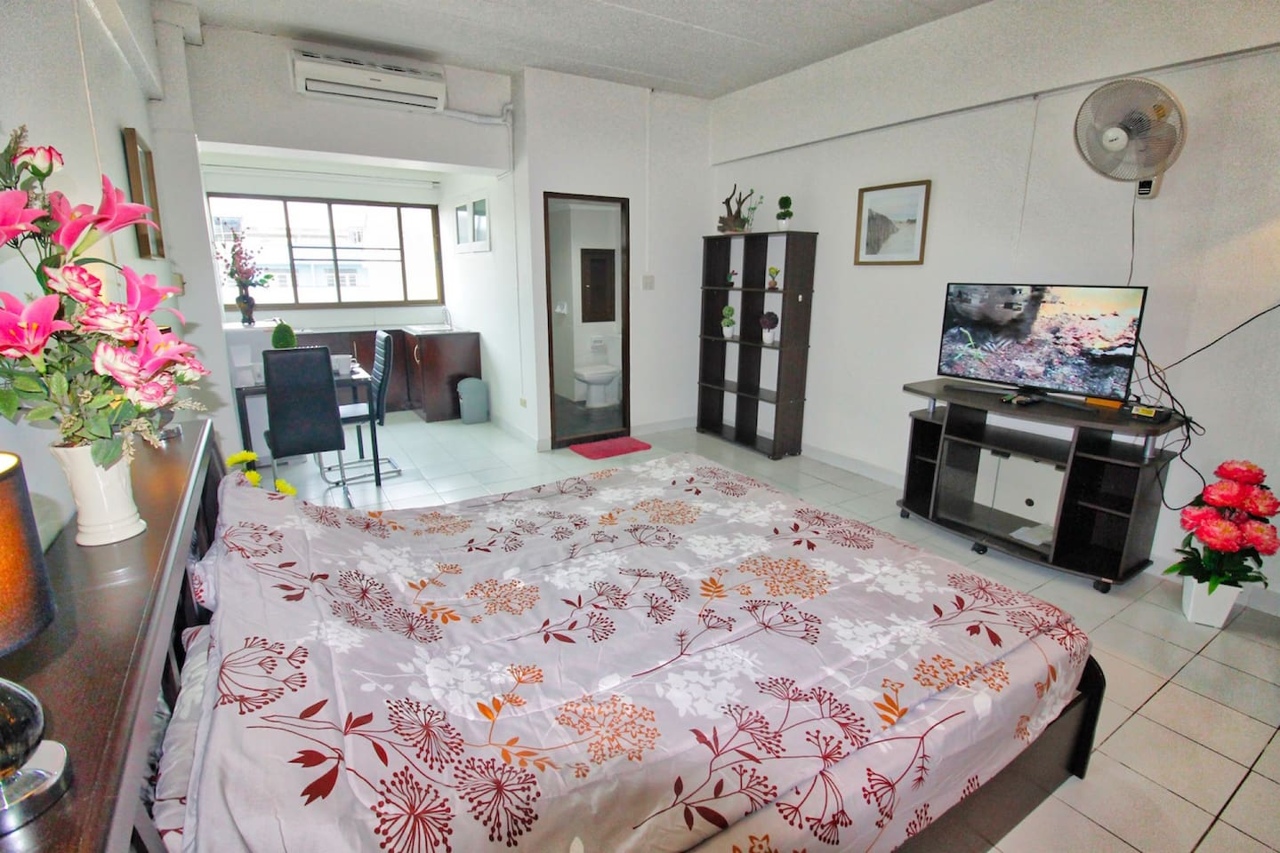 New renovated Suite central located and close to beach/activities photo 16613182