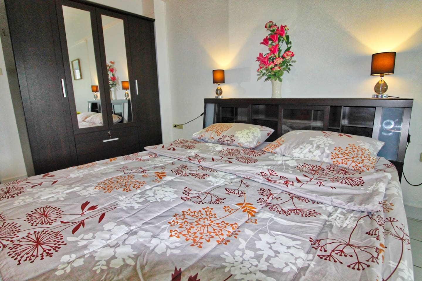 New renovated Suite central located and close to beach/activities photo 16613184
