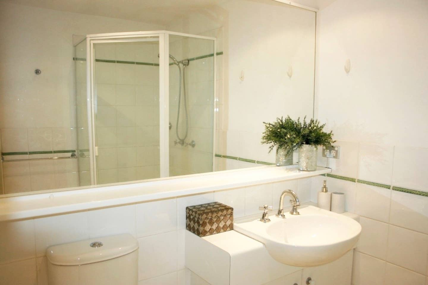 Apartment 2BR Lovely River Retreat       Pool photo 28331362