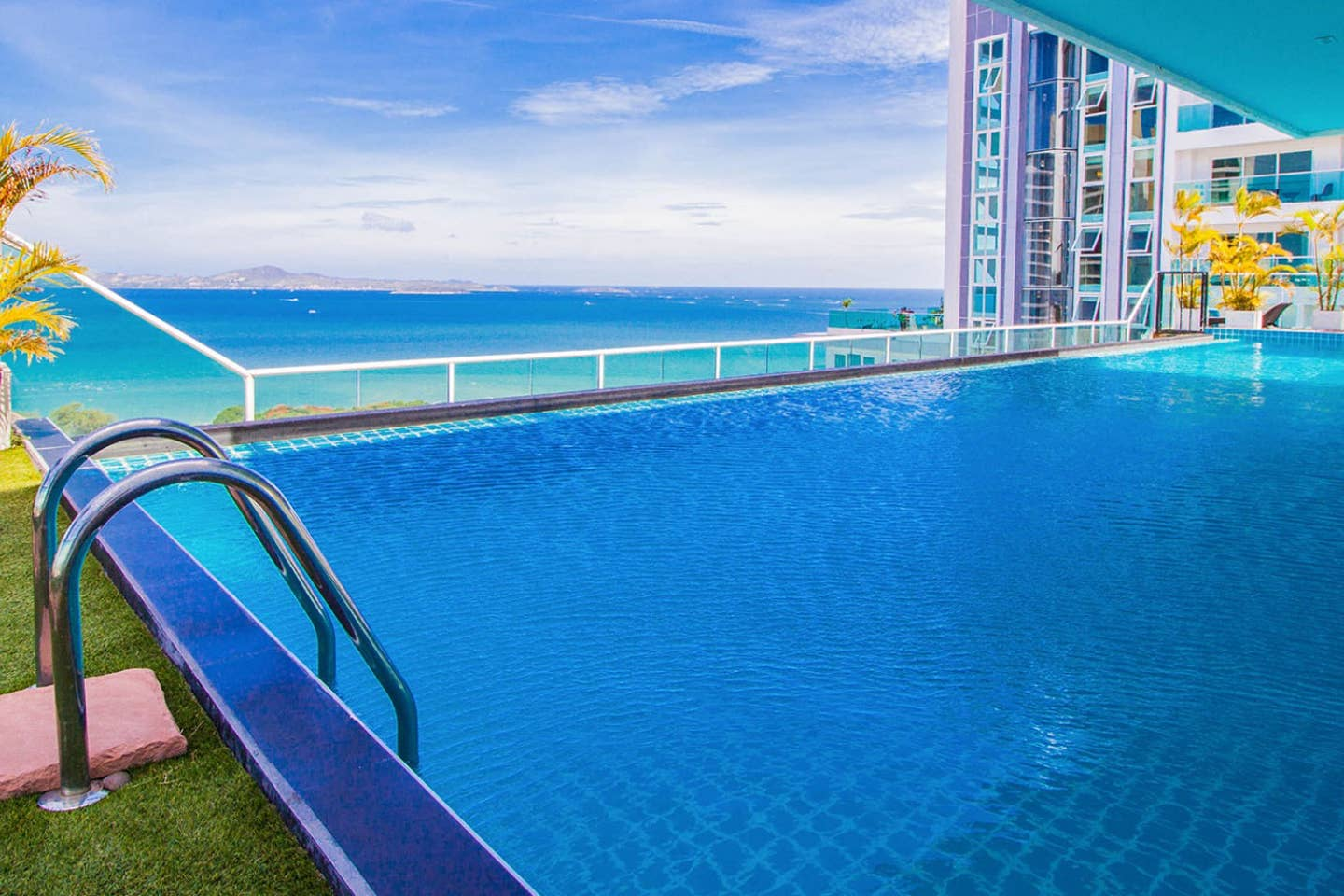 Apartment Amazing Sea View on Cosy Beach and close to walking street photo 16961788