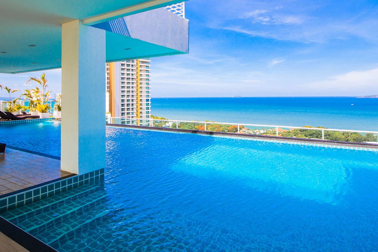 Apartment Amazing Sea View on Cosy Beach and close to walking street photo 16961798
