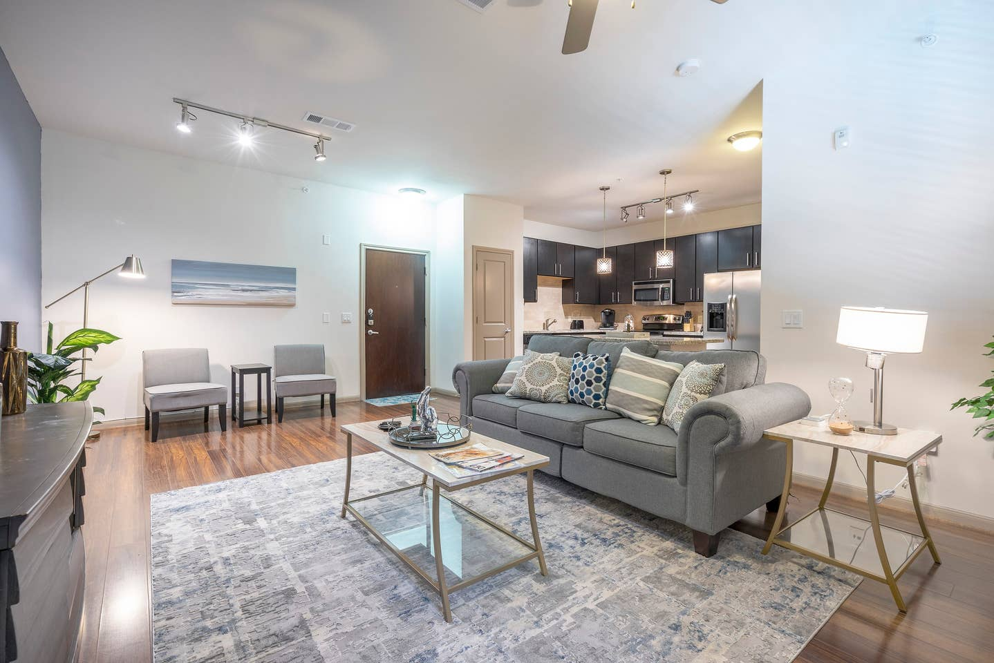 LUXURIOUS MODERN MIDTOWN COZY/FULLY EQUIPPED CONDO photo 15849761