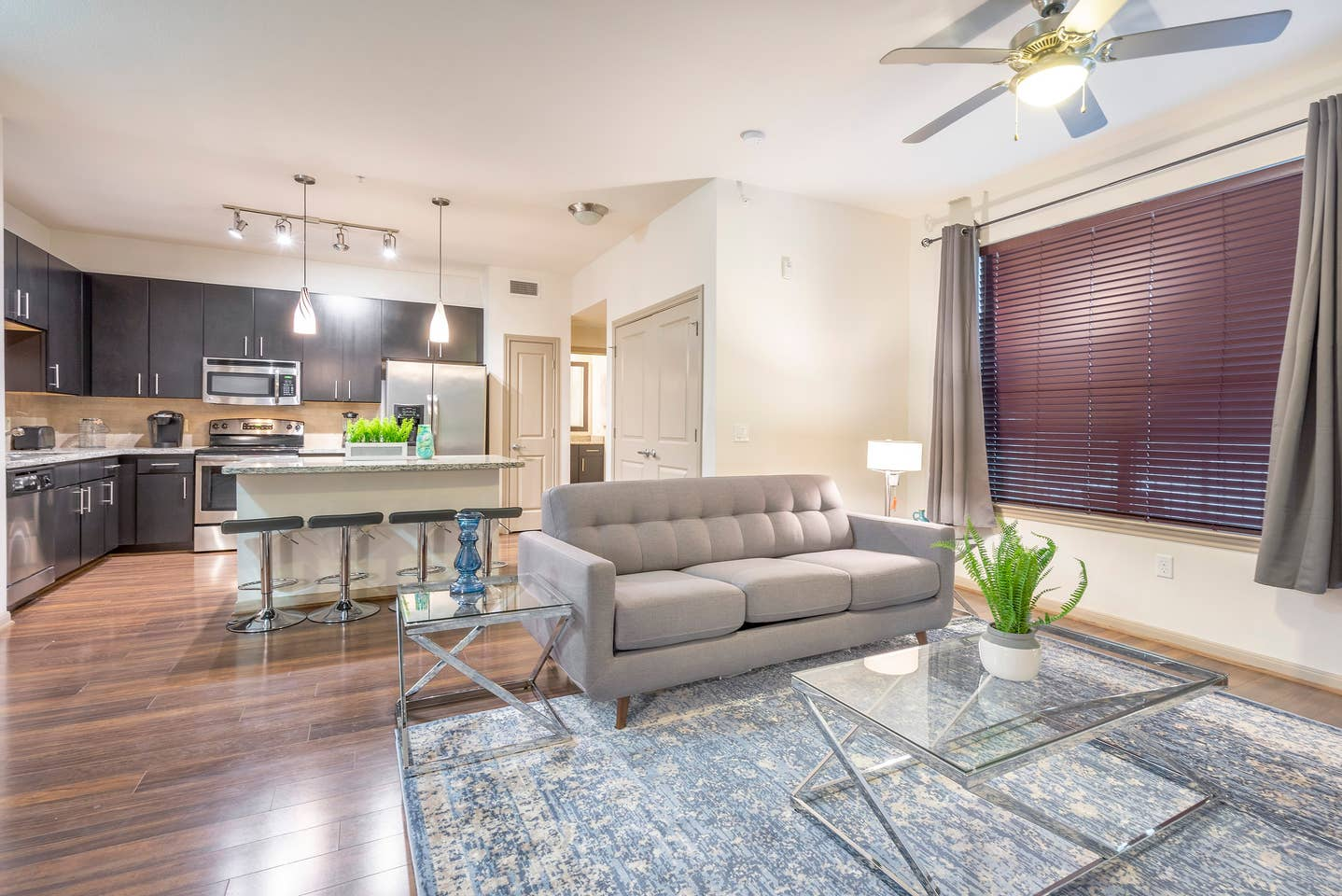 LUXURIOUS COZY/MODERN MIDTOWN FULLY EQUIPPED CONDO photo 15463475