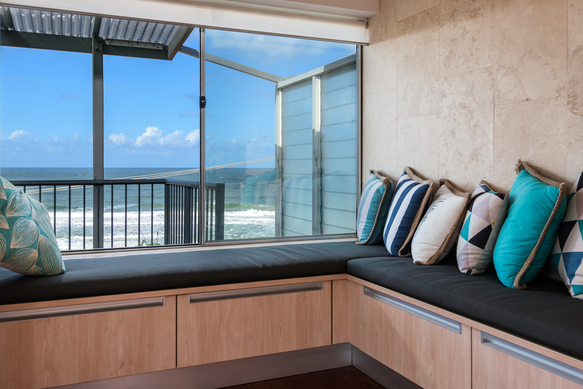 Apartment 2BR Coolum Beachfront photo 23380987