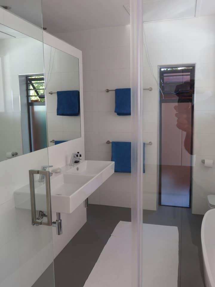 Cape white villa - Main suite photo 23388595