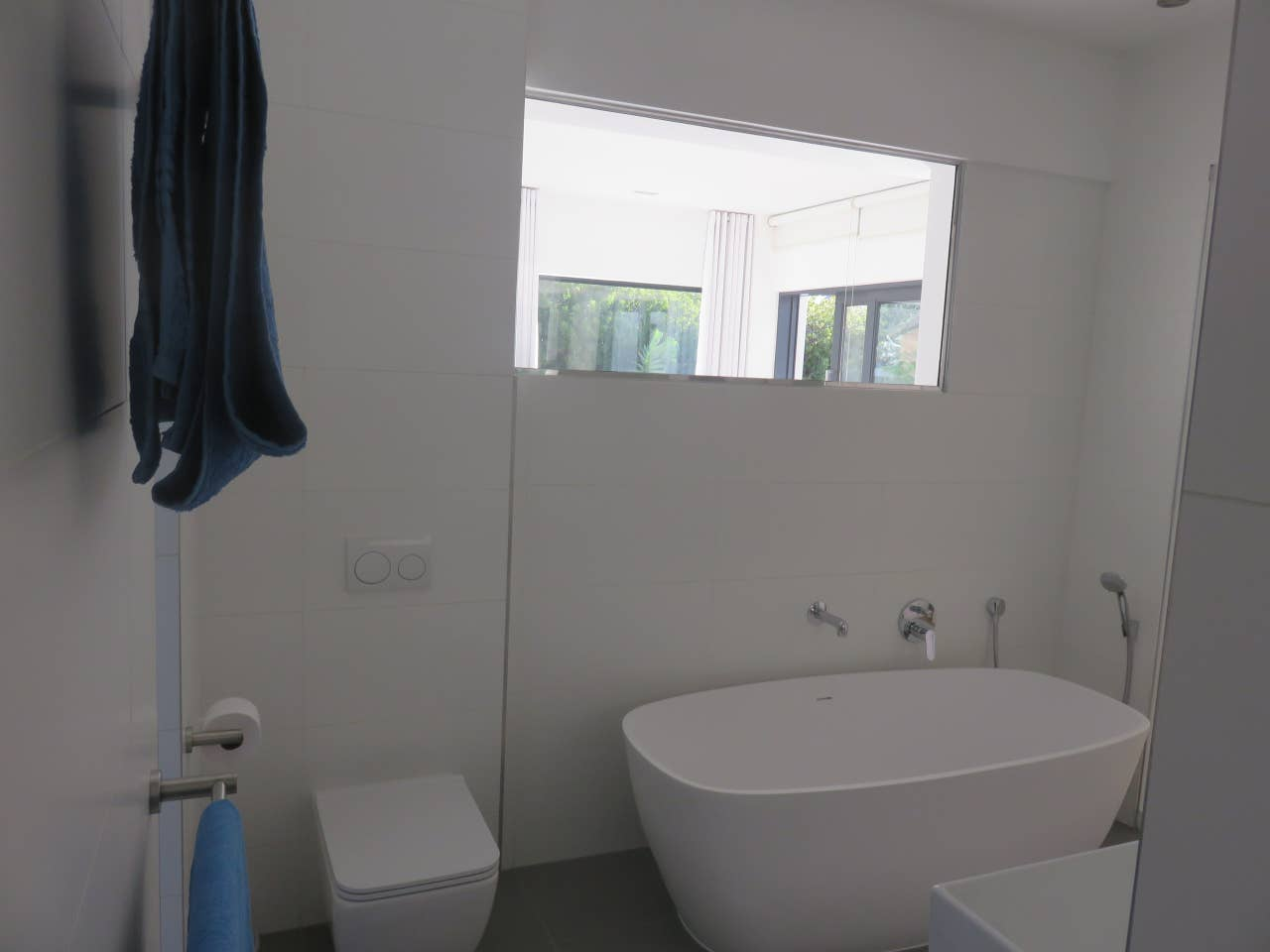 Cape white villa - Main suite photo 23388594