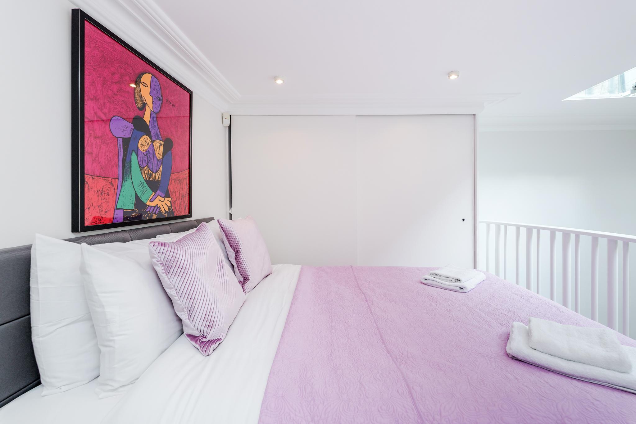 Apartment Distinctive Kensington apt for 3 with Mezzanine photo 23290236