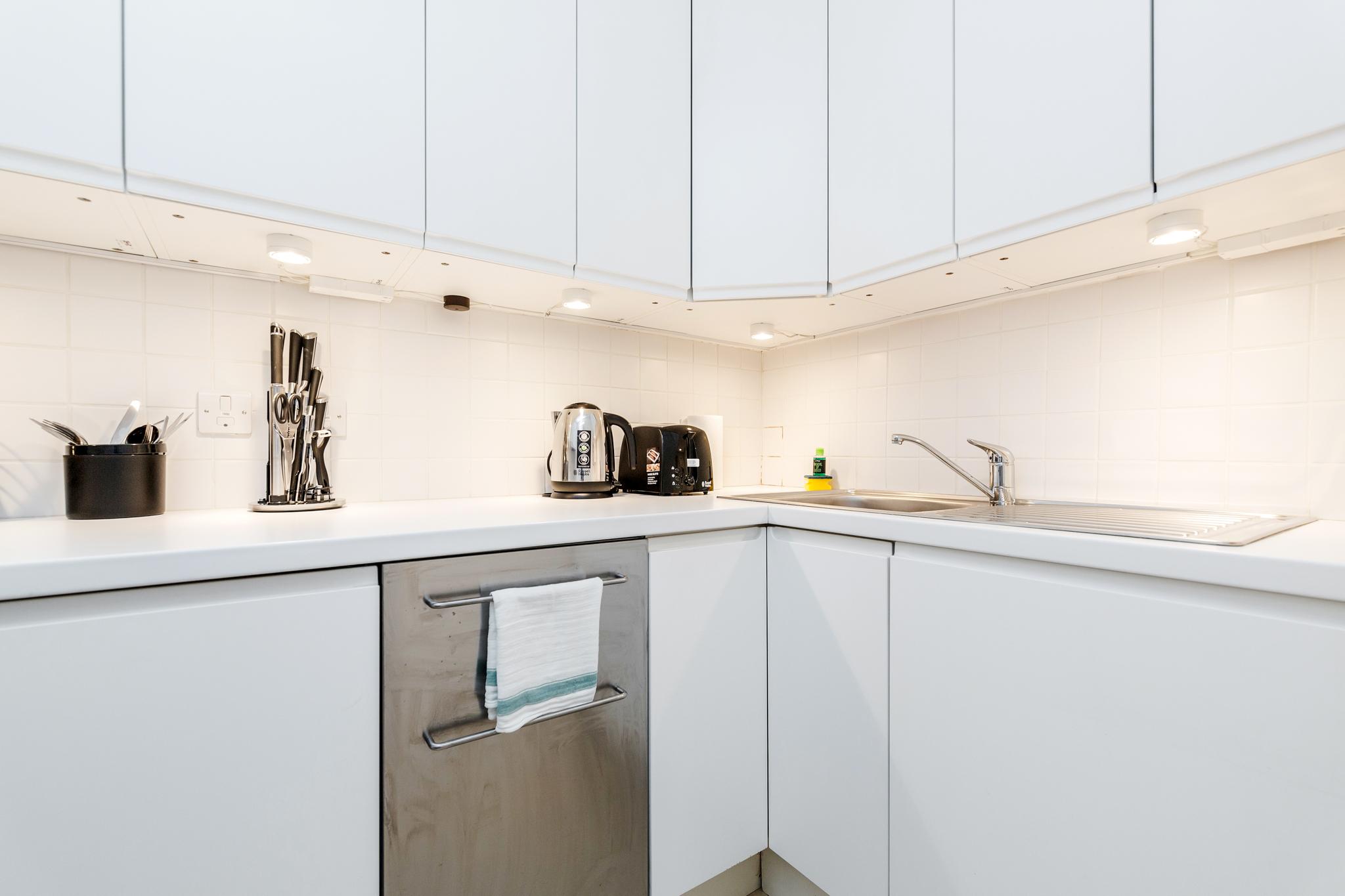 Apartment Distinctive Kensington apt for 3 with Mezzanine photo 23290240