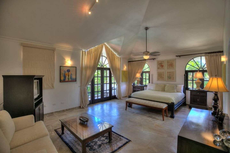 Apartment Luxury 4-Bedroom Estate Villa  Truly Beautiful  photo 25682462