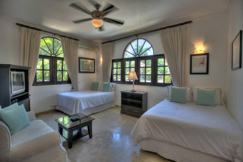 Apartment Luxury 4-Bedroom Estate Villa  Truly Beautiful  photo 25594314