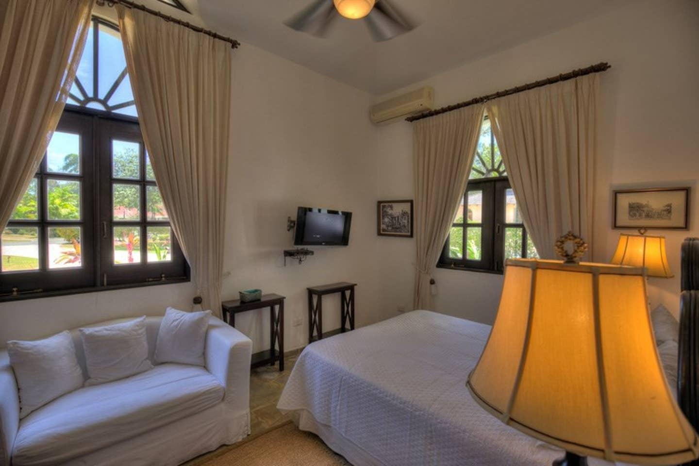 Apartment Luxury 4-Bedroom Estate Villa  Truly Beautiful  photo 25669504