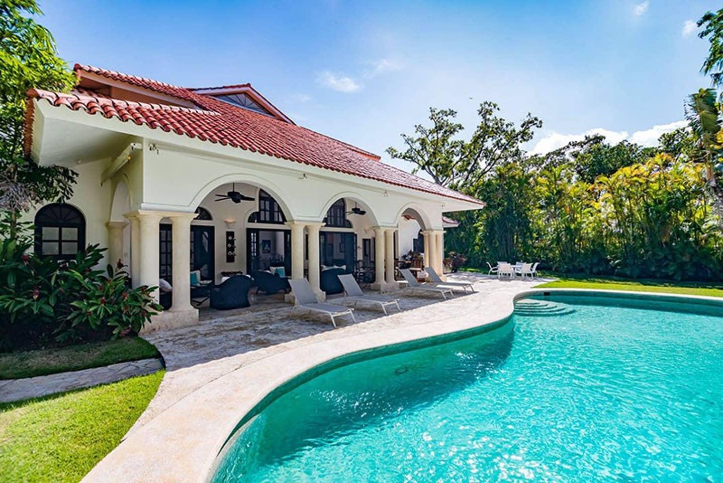 Apartment Luxury 4-Bedroom Estate Villa  Truly Beautiful  photo 25669510